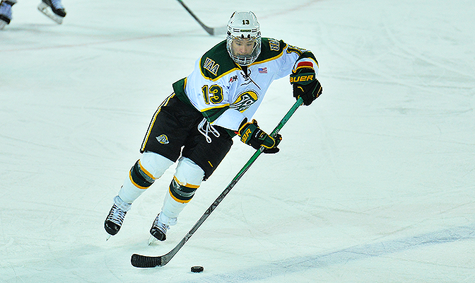 Hubbs played in 34 games for the Seawolves as a junior, finishing with four goals, three assists and seven points.