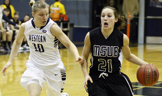 Trishi Williams (10) had 11 points and five assists in WWU victory.  Bobbi Knudsen (21) led MSUB with 21 points.