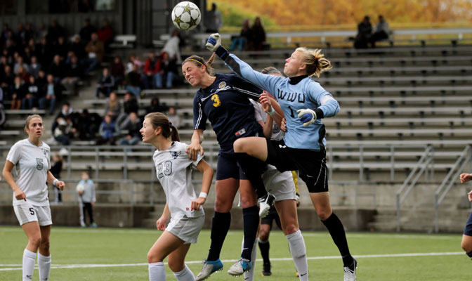 WWU's Jamie Arthurs (1) knocks away a MSUB shot in Saturday's championship game (Photo by Andy Towell)