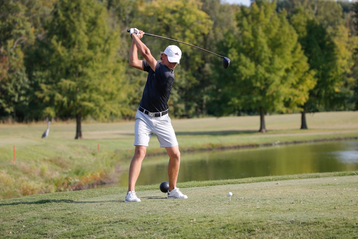 Phoenix Men's Golf leads after day one of the MSC Fall Preview