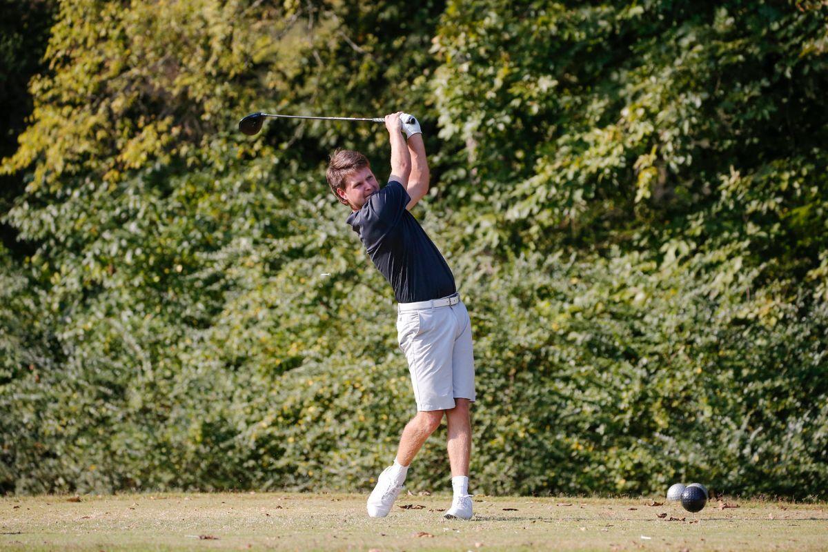 Men's Golf in 9th at Skyhawk Invitational