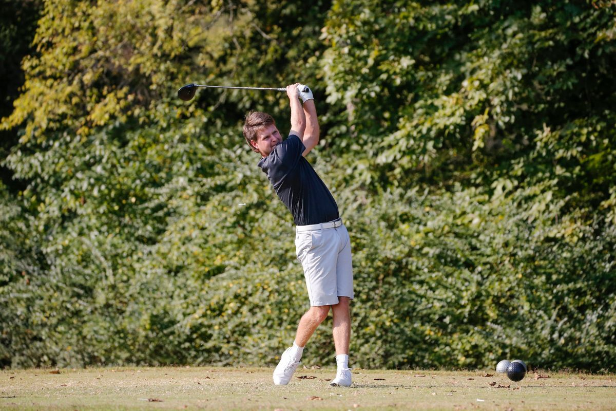 Walker, Lindgren, Hughes tied for first; Phoenix Golf tied for fourth after first round