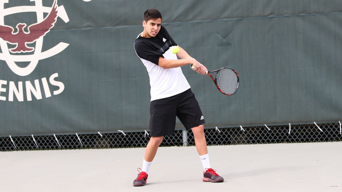 Men's tennis reaches Round of 16 with 5-4 victory