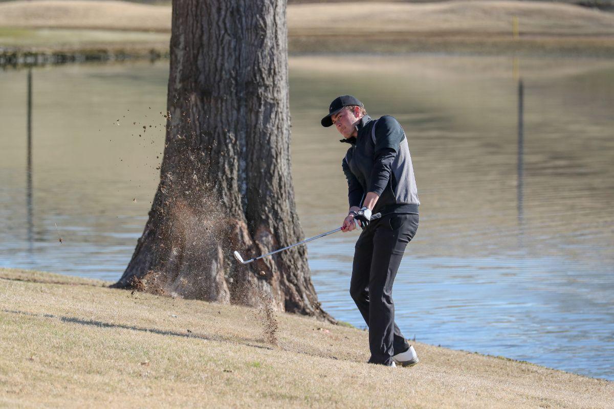 Men's Golf enters the NAIA Coaches' Top 25 poll at No. 17