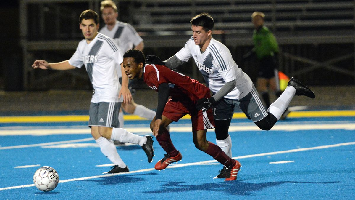 Second-half goal ends men's soccer season