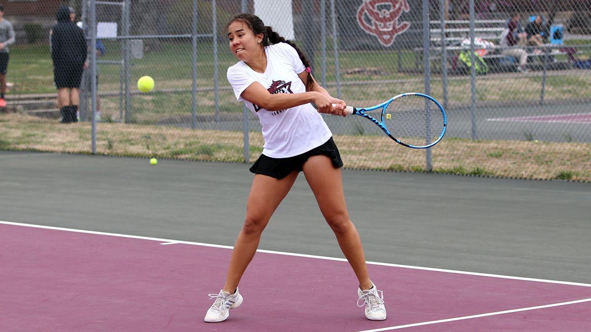 Phoenix women win season opener, 6-3