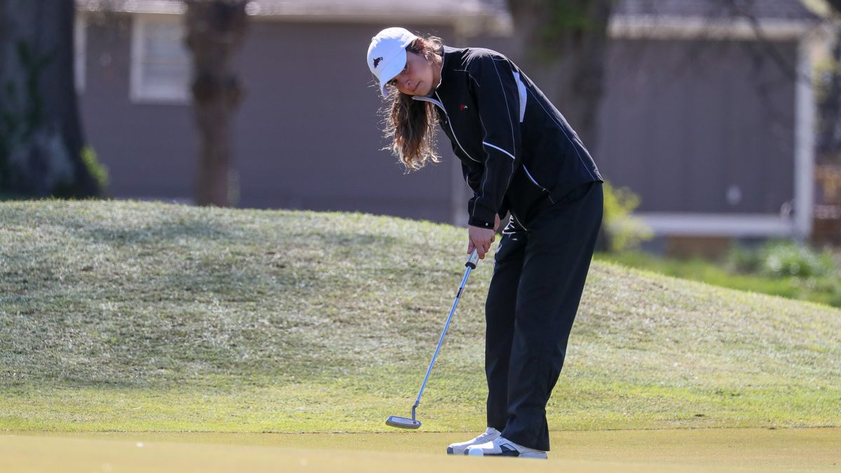 Women's Golf tied for fourth after day one