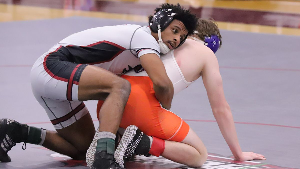 Phoenix wrestling splits dual matches at Campbellsville