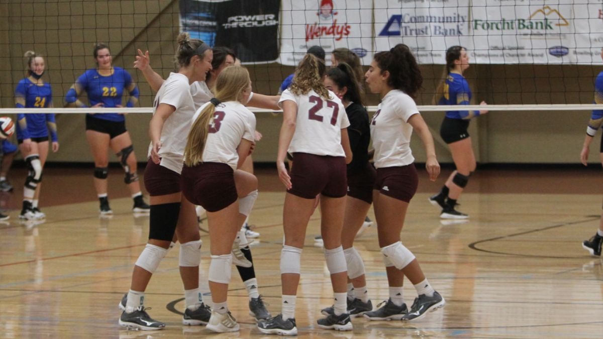 Cumberland sweeps season opener; drops a five-set thriller to Blue Mountain