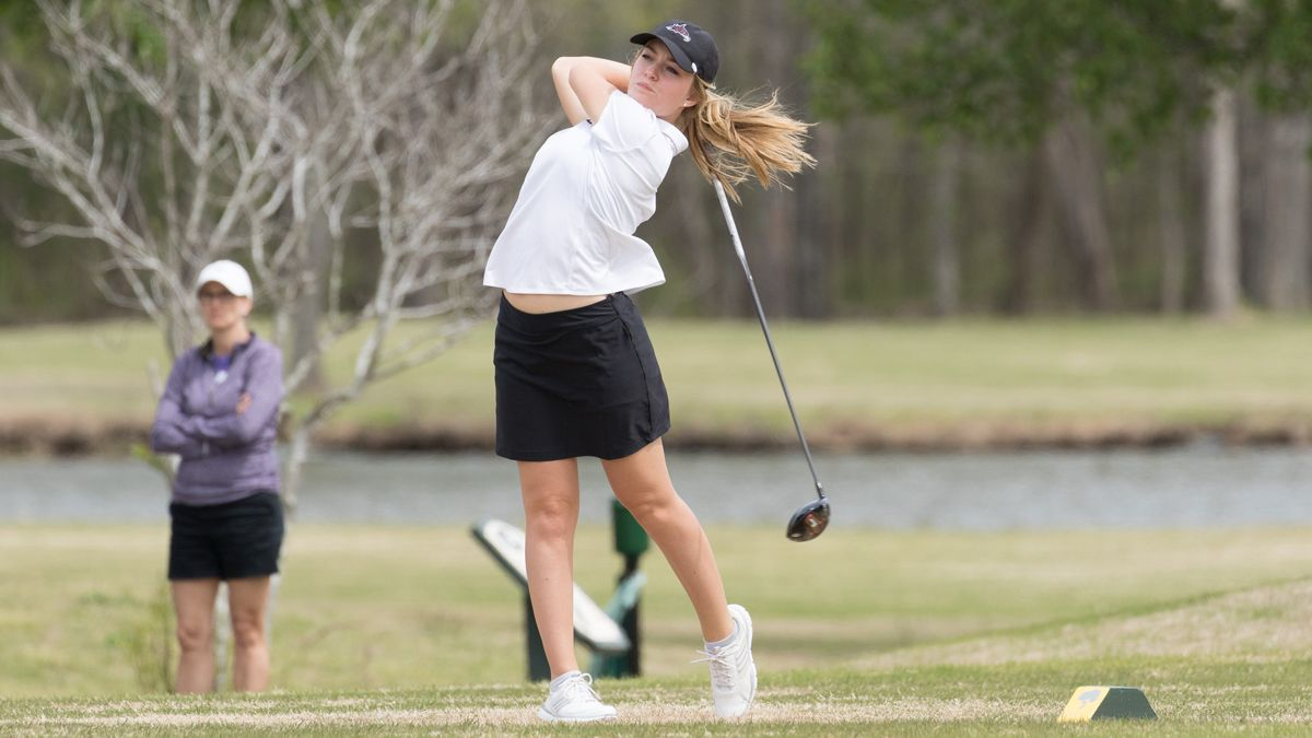 Women's golf moves up one spot in NAIA Coaches' Top 25 Poll