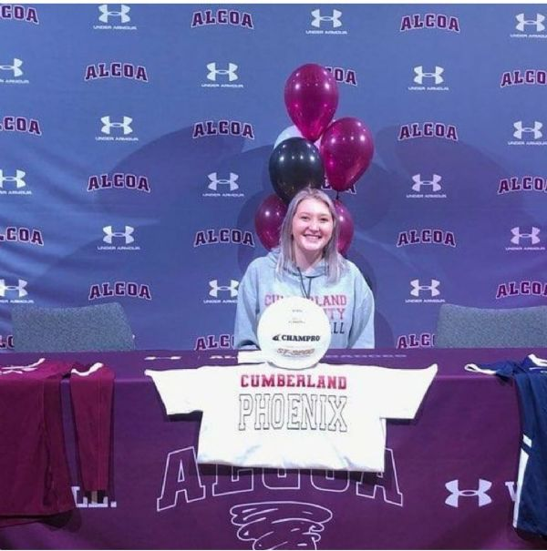 Kendall Moore signs with Women's Volleyball