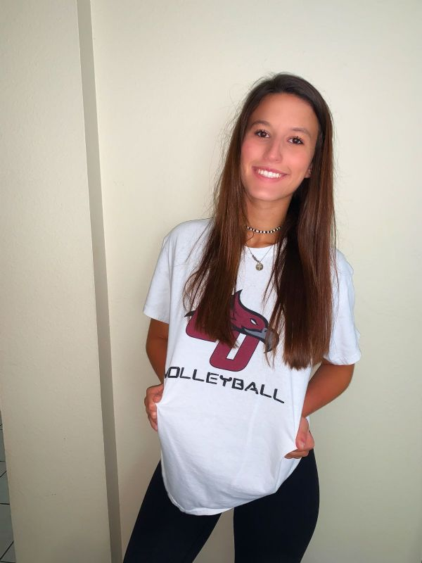 Florida native Maya Mullally signs with Women's Volleyball