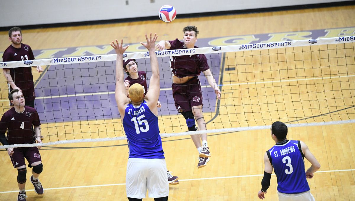 Men's volleyball falls in three to St. Andrews