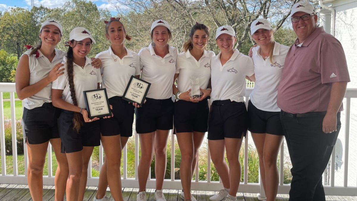 Phoenix golf and Nathalie Nutu win their second tournament of the season