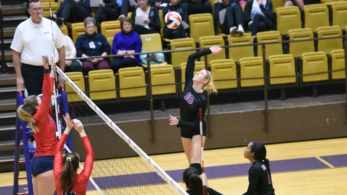 Volleyball sweeps Patriots in MSC Tournament