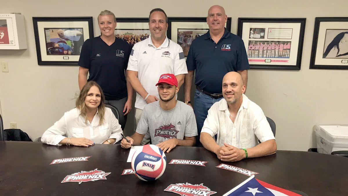 Acevedo Reyes inks with CU men's volleyball