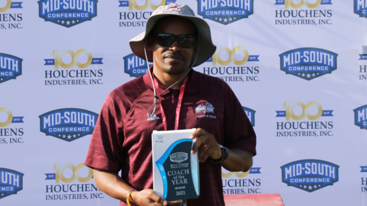 Mardy Scales Named Men's Outdoor Track & Field Coach of the Year