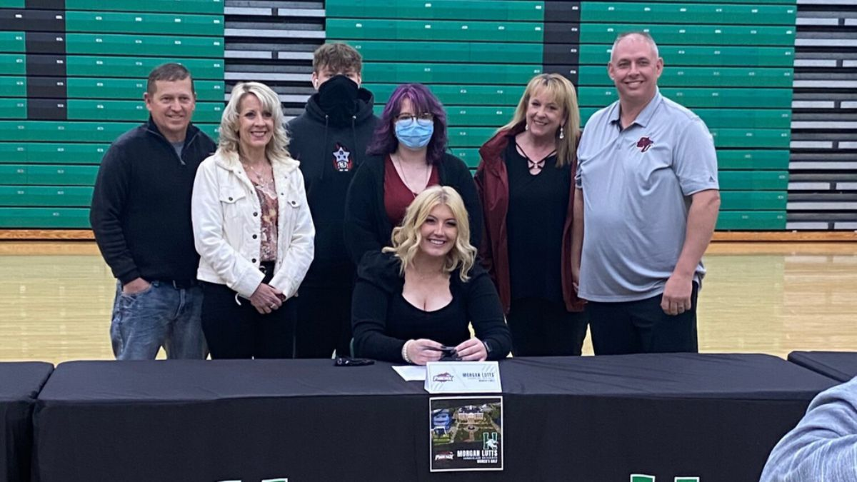 Lutts Signs with Women's Golf