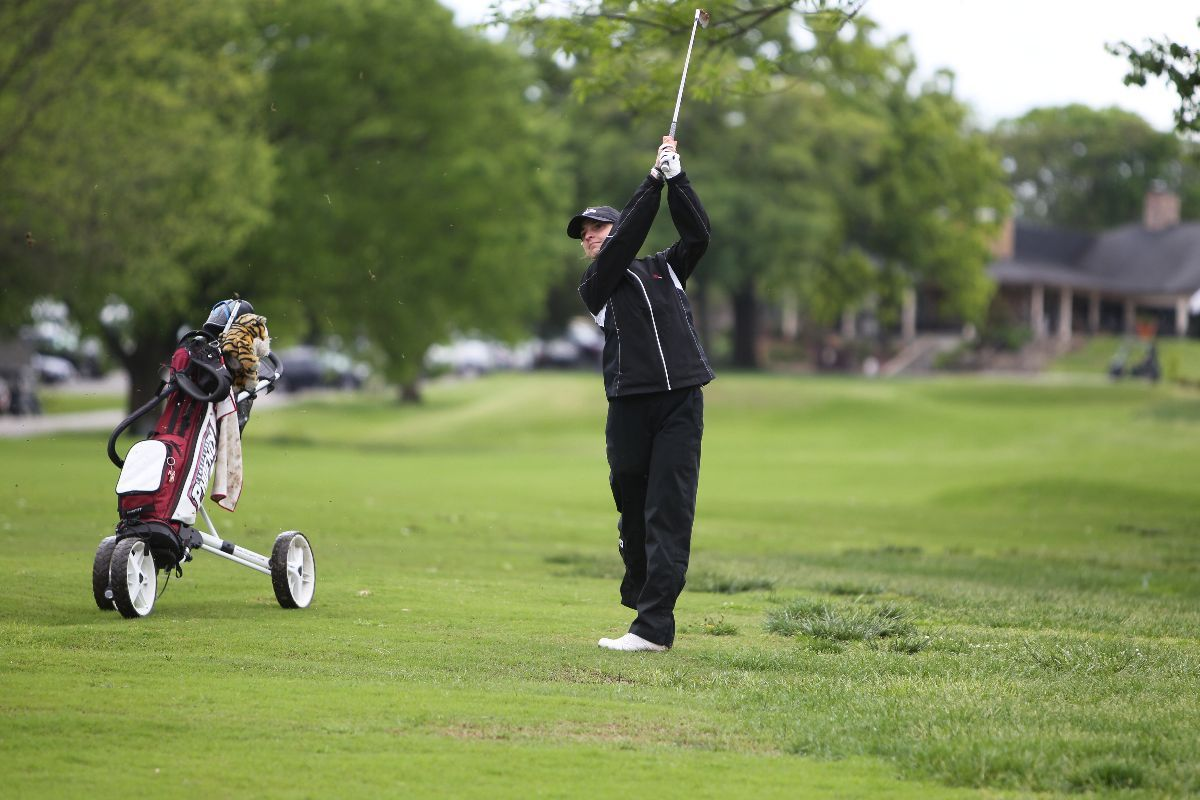 Women's Golf in 4th after first round of MSC Championships