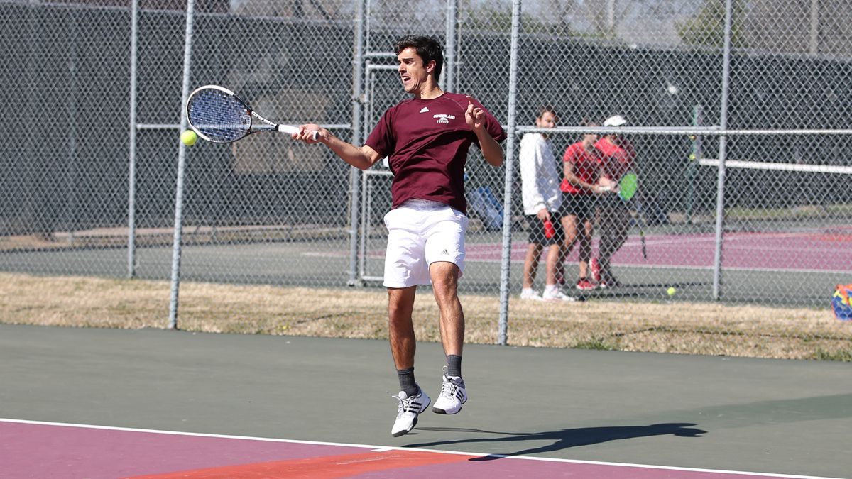 Puertolas posts singles win in loss versus Govs