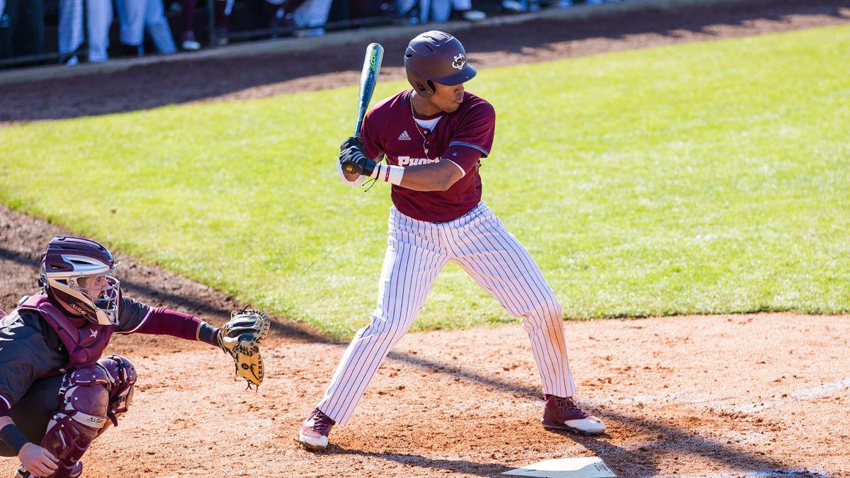 Late surge keeps baseball from sweep