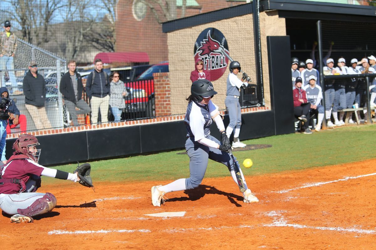Cumberland Softball splits doubleheader with Bryan College