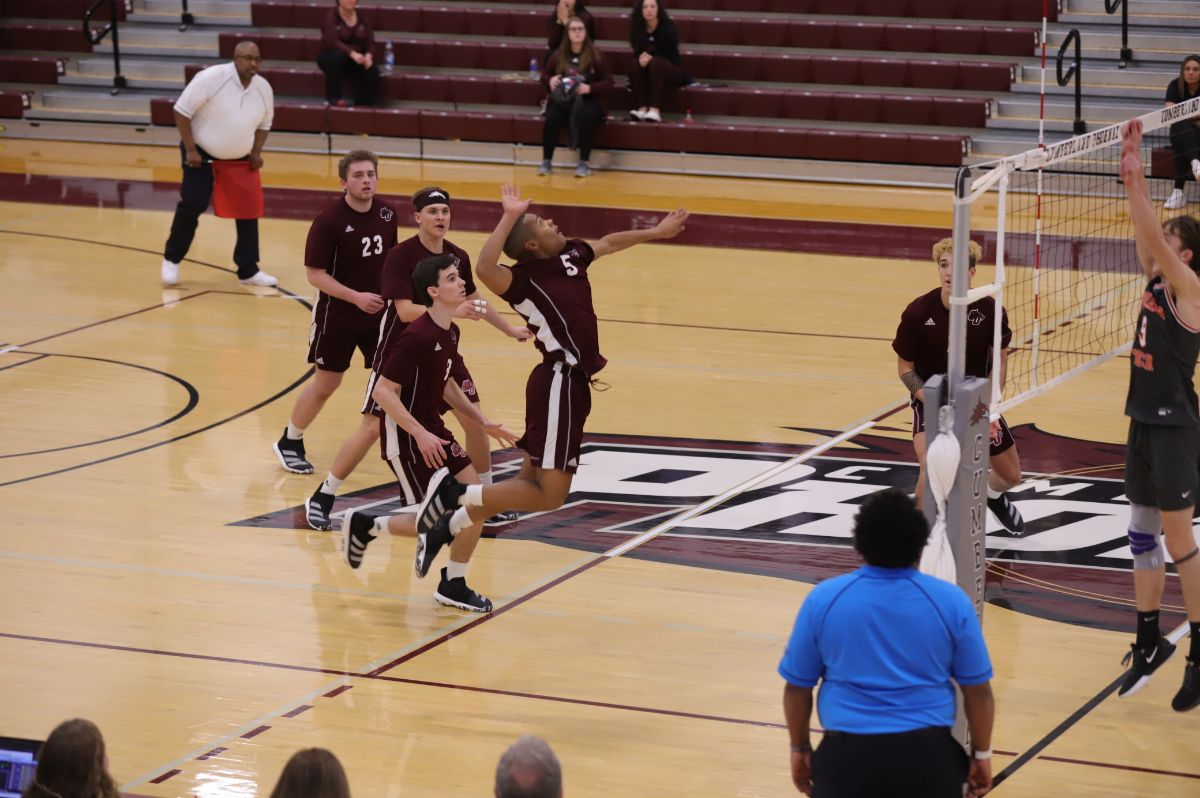Men's Volleyball Split in Day One of Cumberland Classic