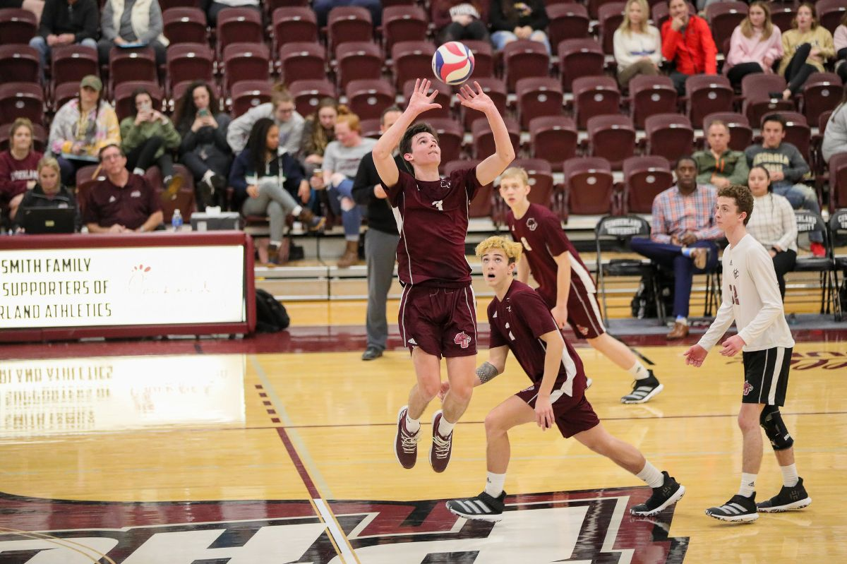 Men's Volleyball Sweeps Bluefield, 3-0