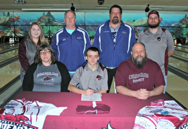 Lebanon bowler signs with CU