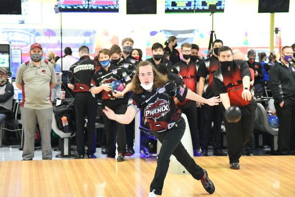 Cumberland Men's Bowling finishes 3-2 at MSC Bowling Championships