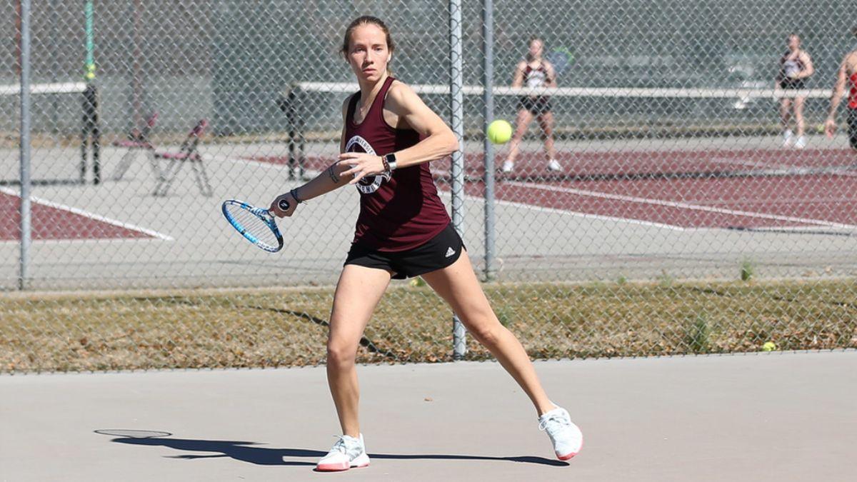 No. 17 Women's Tennis shuts out Freed-Hardeman