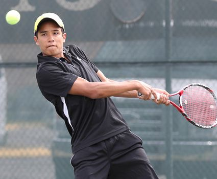 Three-set wins help men's tennis in 7-2 victory
