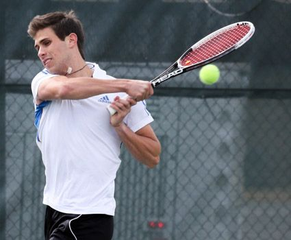 Men's tennis falls in quarterfinals, 5-2