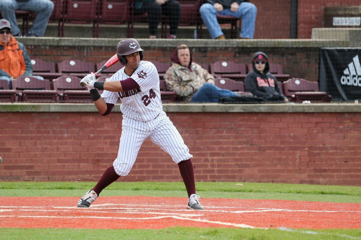 Baseball holds on to a 4-3 win over Truett McConnell