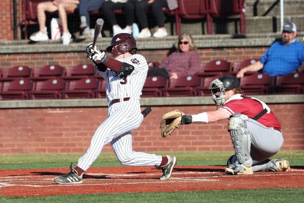 Cumberland Hands 11th-Ranked IU-Southeast 8-5 Loss