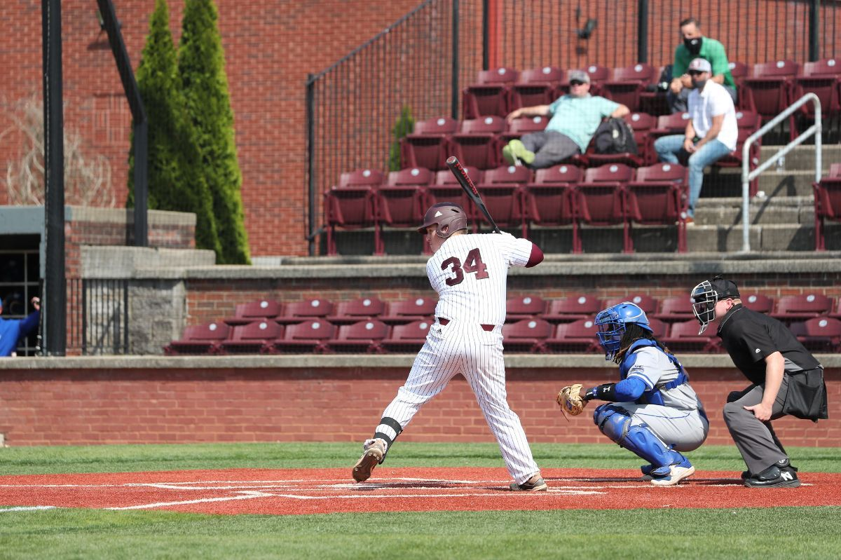 Lions sweep doubleheader to take the series