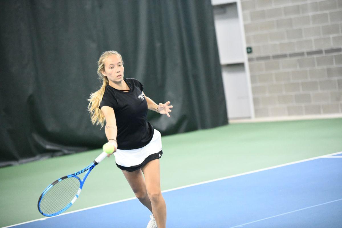 Women's Tennis picks up two victories