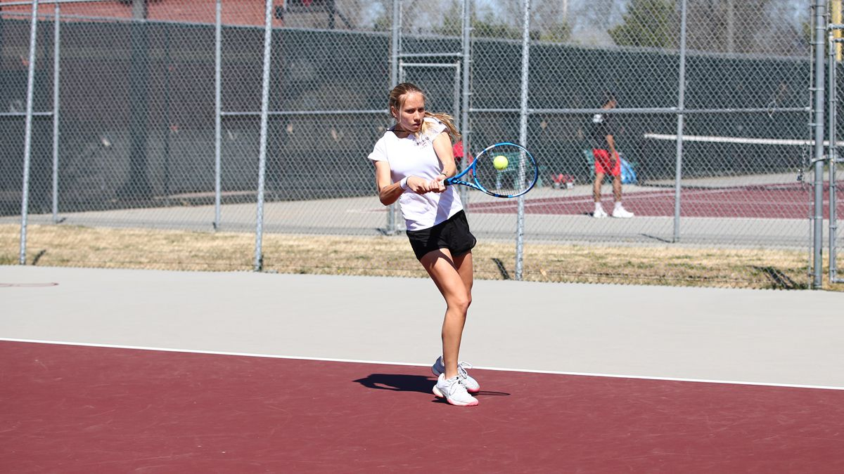 No. 17 Women's Tennis loses to Marian, 5-2