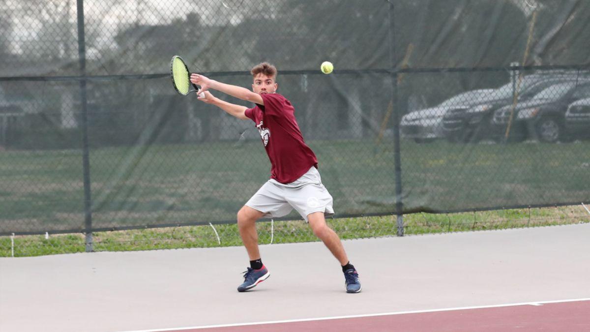 Men's tennis beats MSC foe Bethel 6-1