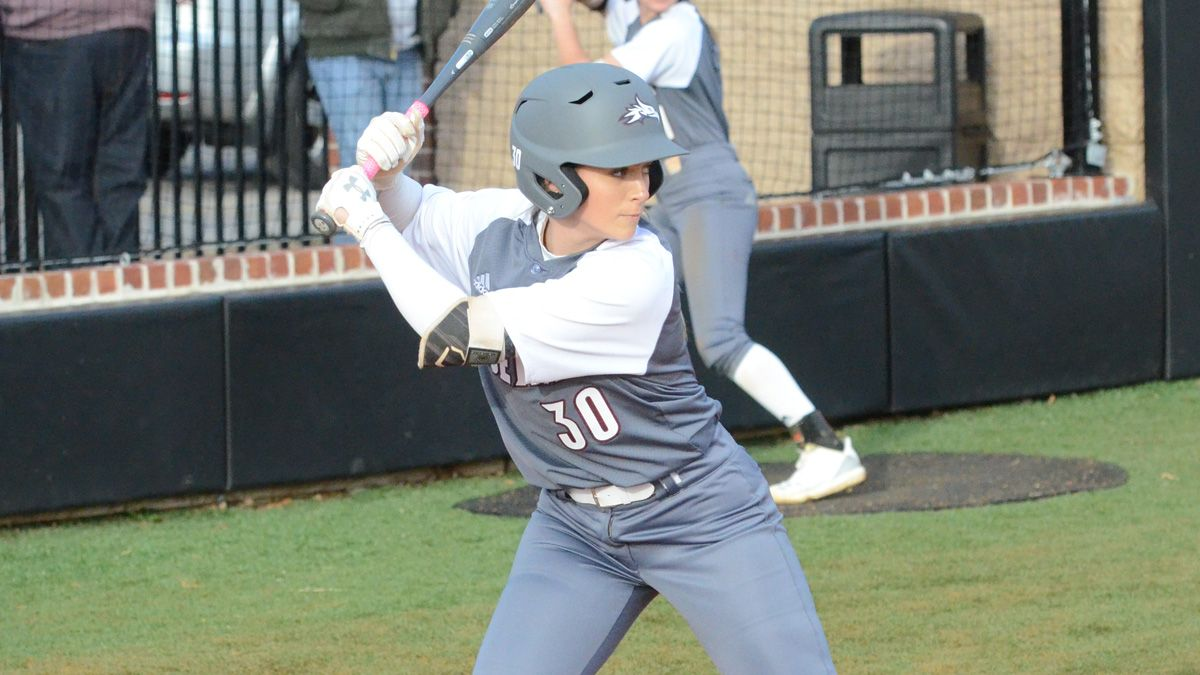Softball shuts out Hiwassee in doubleheader sweep