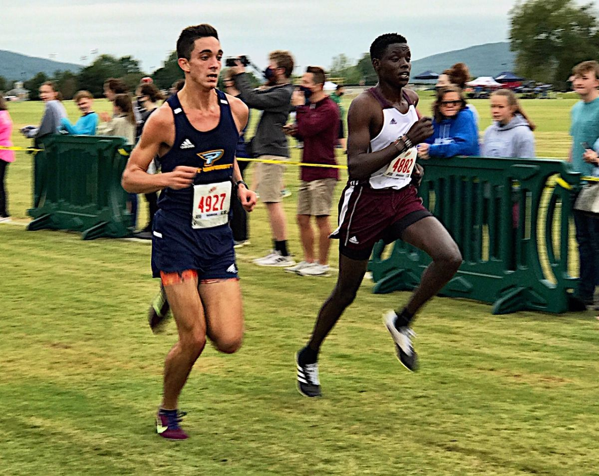 Men's Cross Country takes 6th place at the UAH Chargers XC Invitational