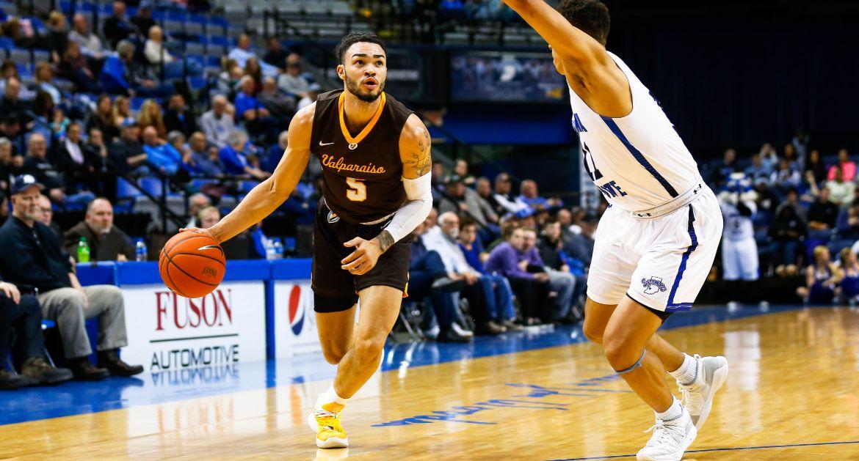 Men's Basketball Hosts Drake on Hall of Fame Night Saturday
