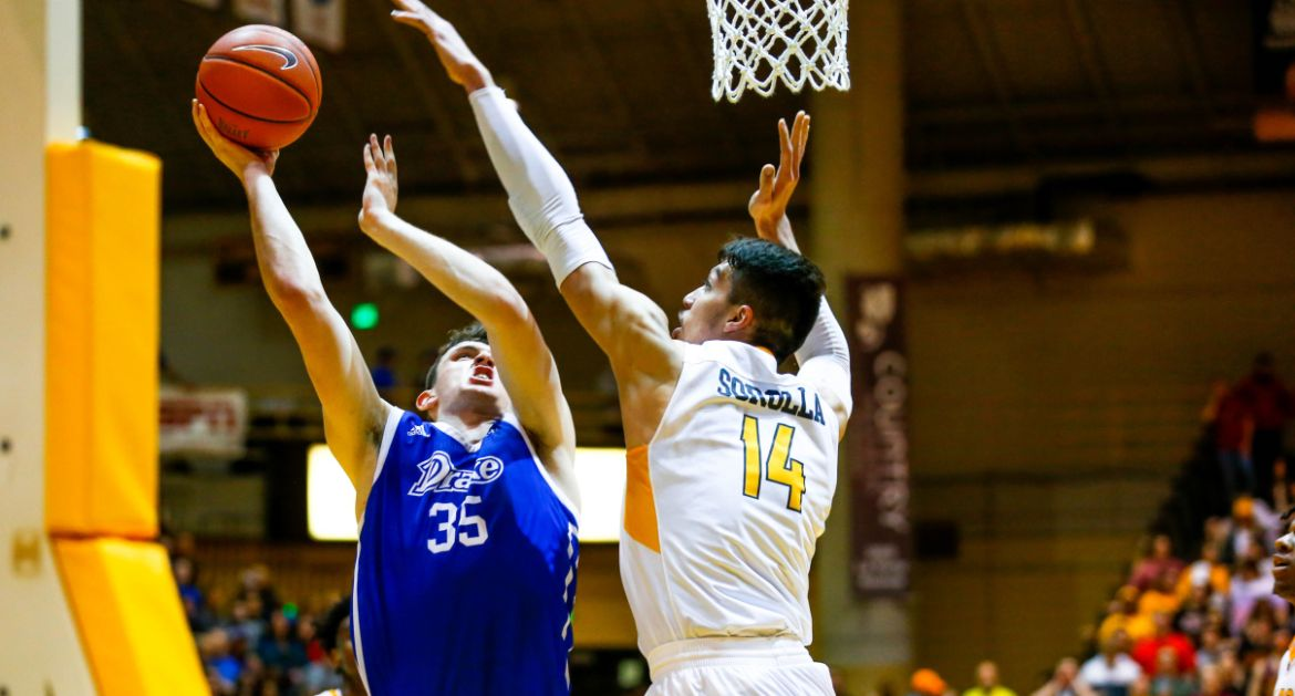 Short-Handed Valpo Squad Falls to Drake Saturday