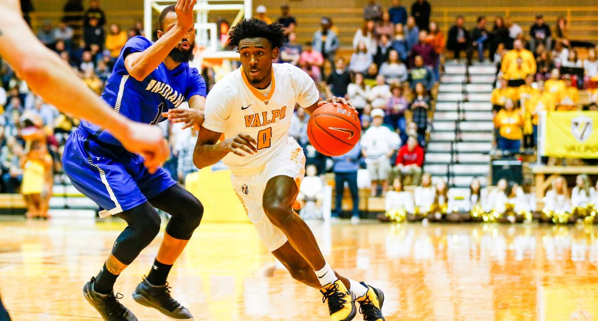 Men's Basketball Looks for Season Sweep of Southern Illinois Wednesday