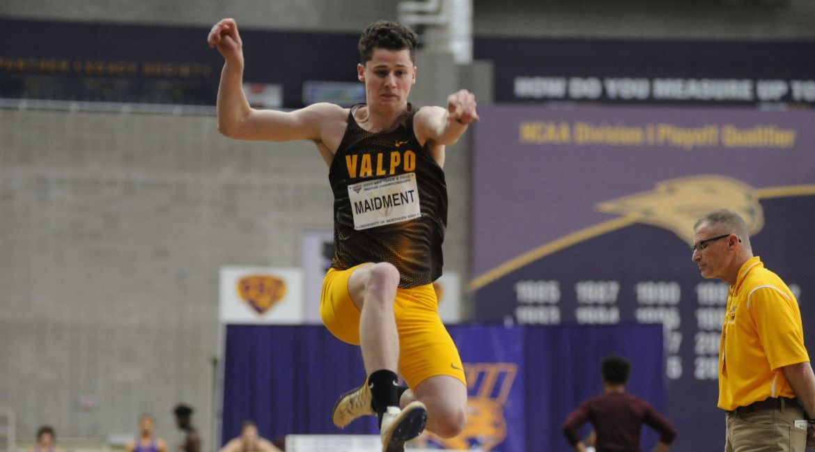 Track & Field Preps for MVC Finals by Competing at GVSU, Indiana State