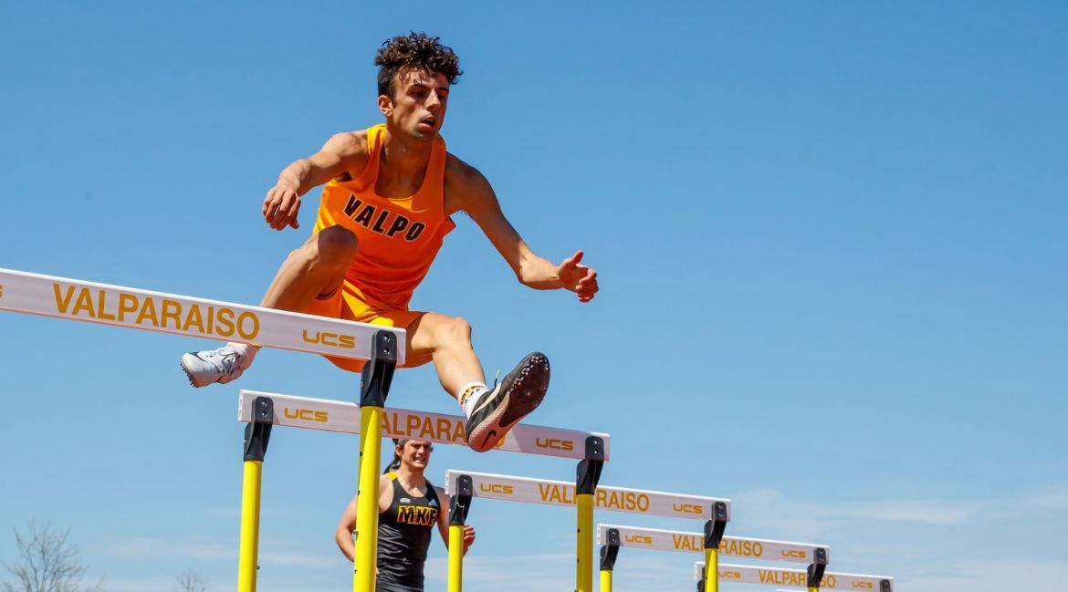 Valpo Produces Strong Showing in Home Meet