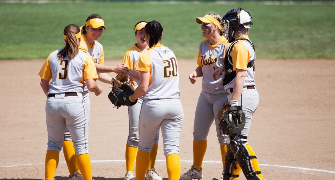 Softball Travels to Detroit This Weekend