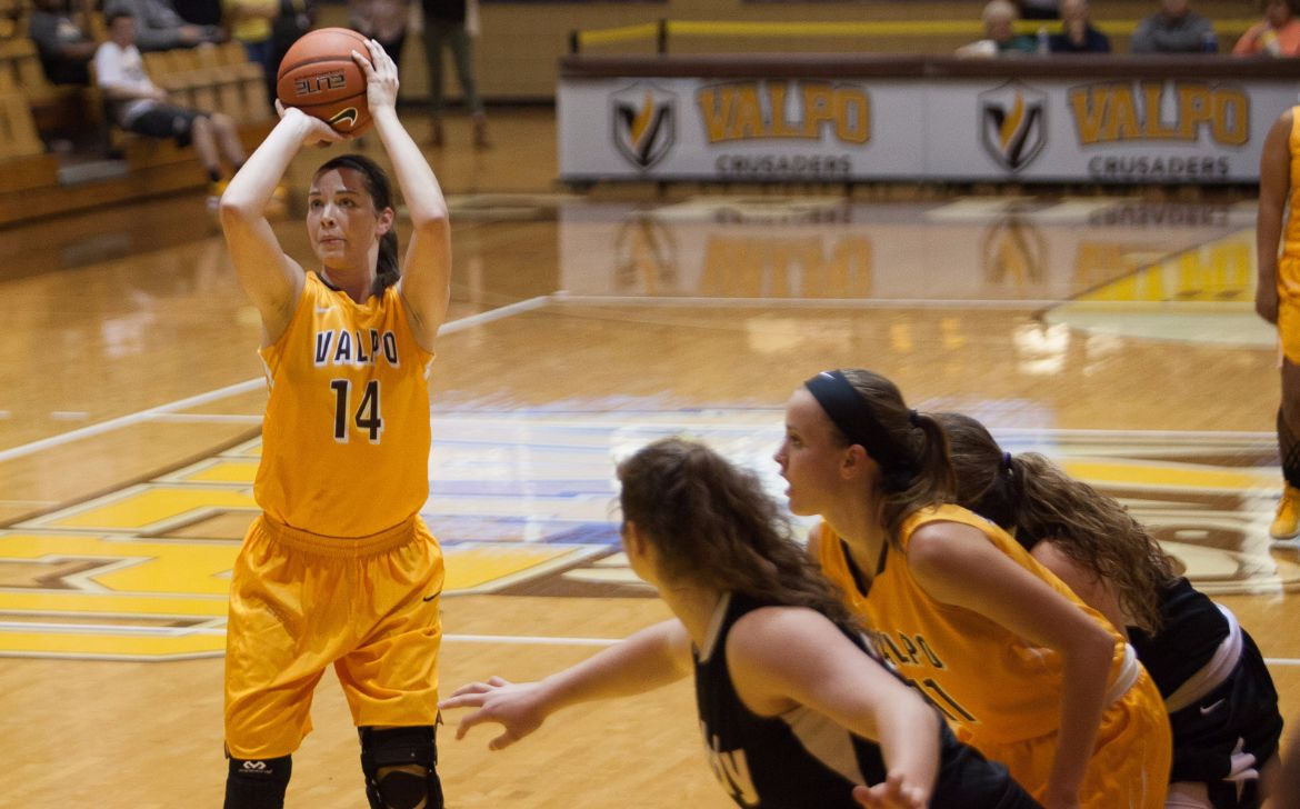 Women's Basketball Team Tops Indianapolis in Exhibition Opener