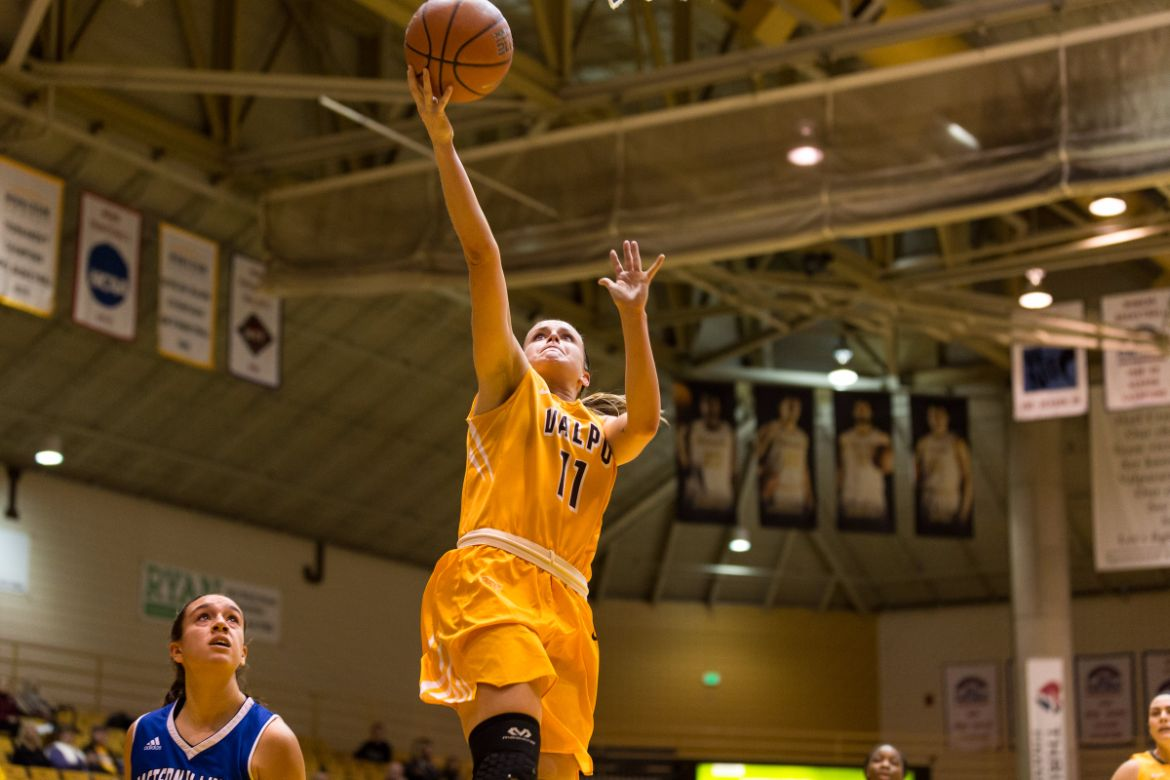 Franklin Pours in 33 to Propel Crusaders Past Panthers
