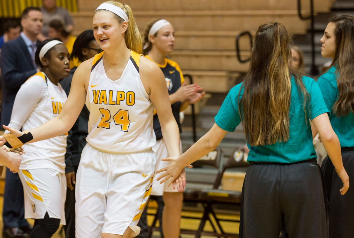 Women's Basketball Goes for Consecutive Wins on Thursday